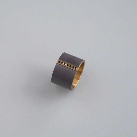 Ringe, Gold 22kt, Tantal, Brillanten