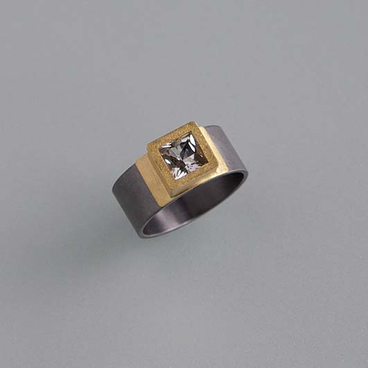 Ringe, Tantal, Gold 900/000, Topas